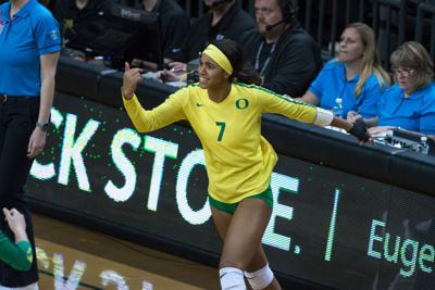 Photo: Oregon women's volleyball falls 1-3 to Stanford