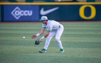 Oregon Baseball holds on to defeat Washington State 11-8 to clinch the series