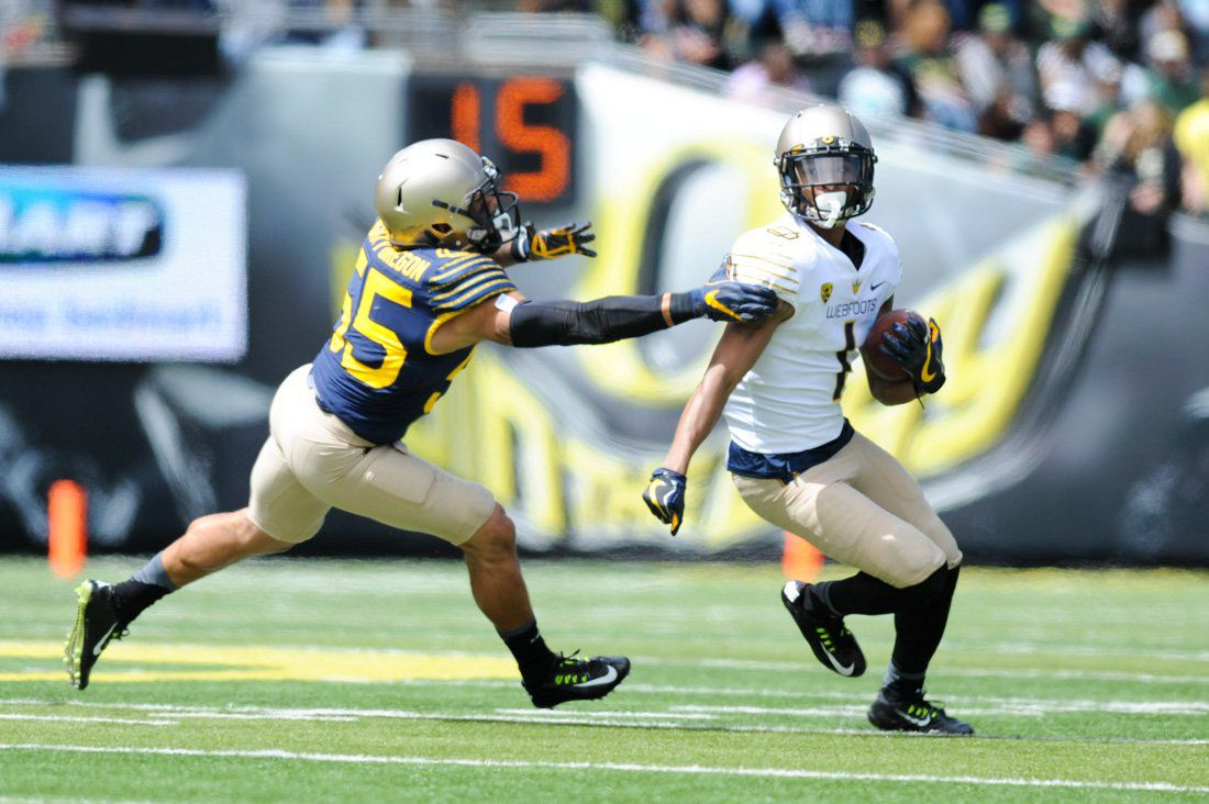 Photos: Football spring game —  Mighty Oregon leads the Webfoots 7-6 at halftime