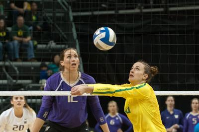 Oregon volleyball swept by Washington for third-straight loss