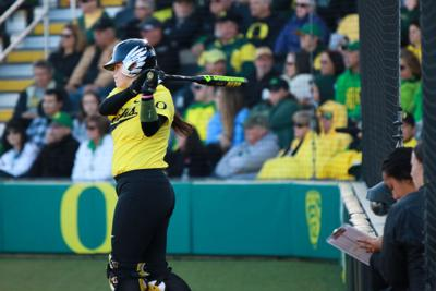 Back-to-back home runs in the sixth propel No. 5 Ducks to a 5-2 victory over No. 9 Arizona