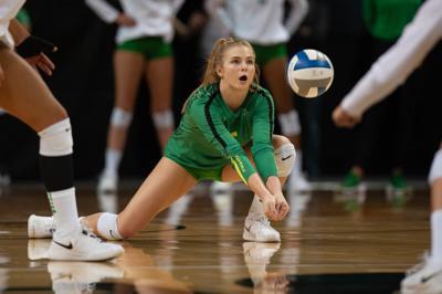 Photos: Oregon Volleyball sweeps UC Berkeley 3-0