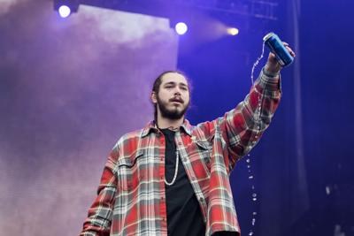 Review: Post Malone's 'Beerbongs & Bentleys' is inauthentic, a capitalization on hip-hop's current trends