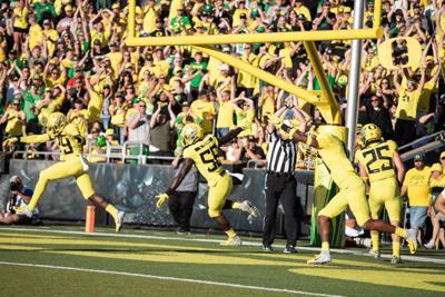 Oregon football's defense survives shaky start