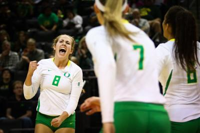 Oregon Volleyball sweeps Oregon Classic with win over UC Davis