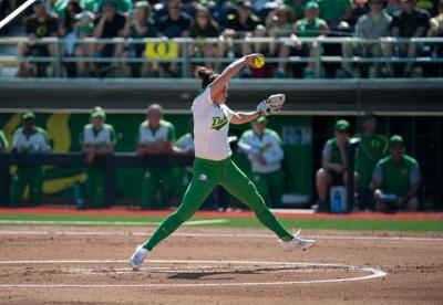 Oregon softball goes 2-0 during Friday's doubleheader