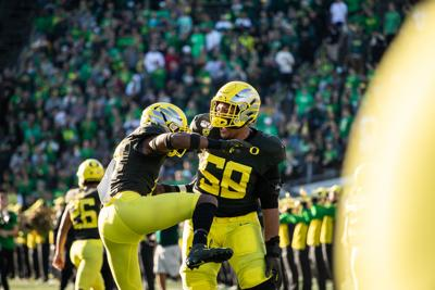 Sewell awarded Pac-12 offensive lineman of the week for third time this year