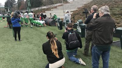 Reporters pleased as Oregon's new open football practice policy goes into effect