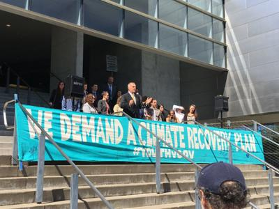 Climate change lawsuit involving two UO students sees first arguments in court