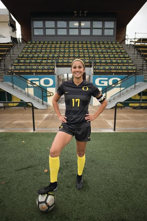 After four knee surgeries, Oregon soccer's Caitlyn Wong is stronger than ever