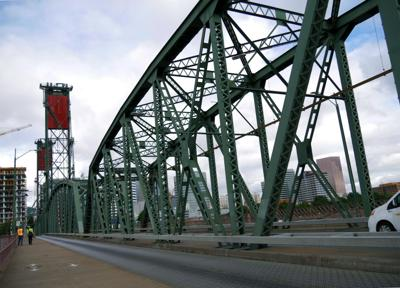 Video: A tour of the Hawthorne Bridge in downtown Portland
