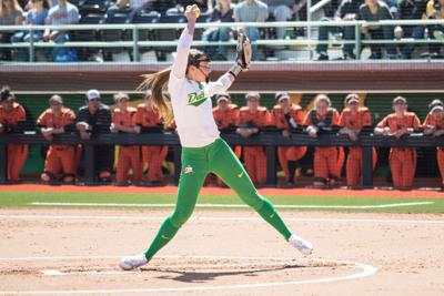 Oregon softball takes lead of Civil War series with, 4-1, win over Beavers