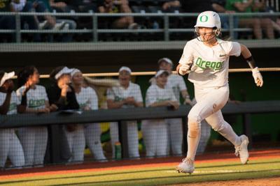 Oregon softball wins first series of season, splits Saturday doubleheader with Cal