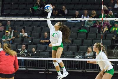 Oregon defeats Arizona State to snap three-match home losing streak