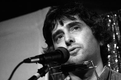 Review: Joe Jack Talcum of The Dead Milkmen performs an intimate acoustic set at WOW Hall
