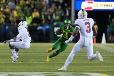 Oregon football jumps to 19 in rankings following loss to Stanford