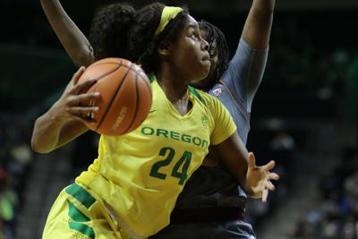 Oregon up to No. 8 in AP top 25 ahead of matchup with No. 10 UCLA