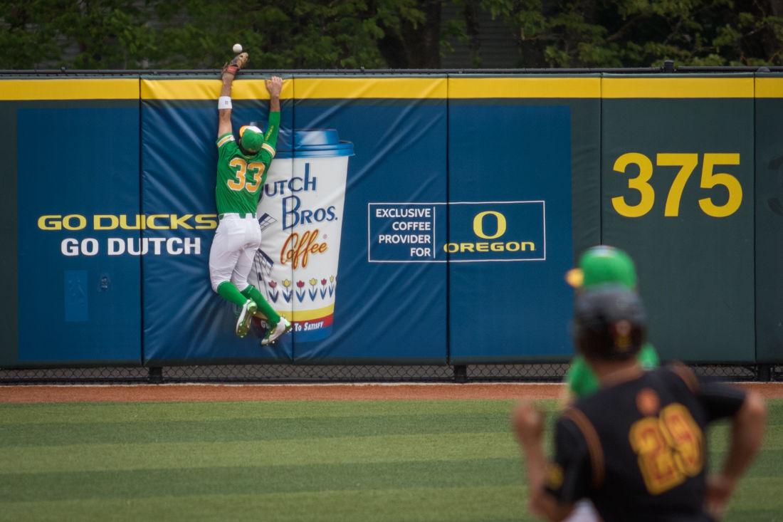 Photos: Oregon Defeats USC 12-8