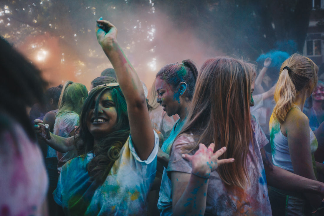Photos: Holi 2018 excites life and color onto UO's Friday campus