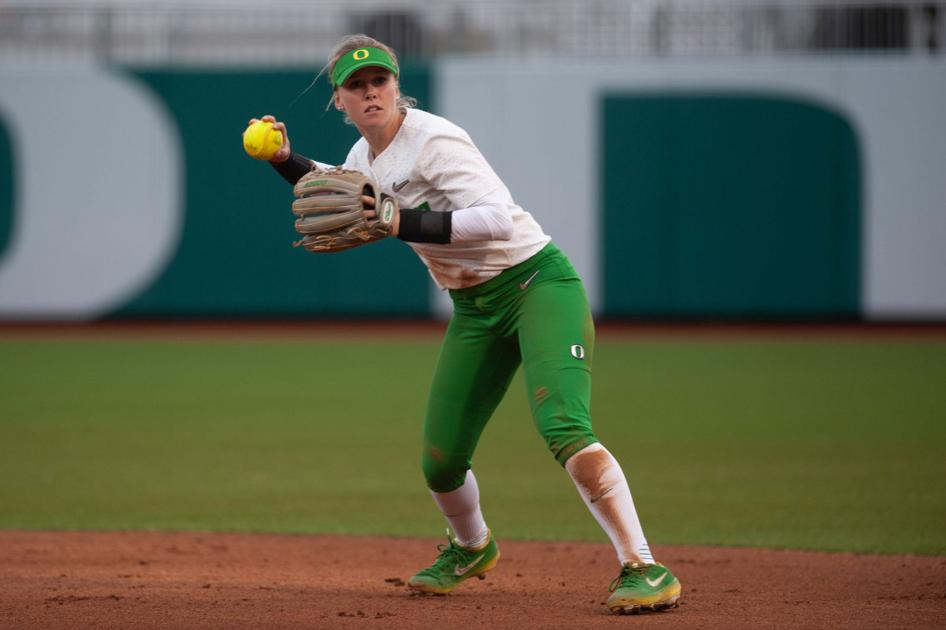 Oregon secures doubleheader sweep to open Mary Nutter Classic