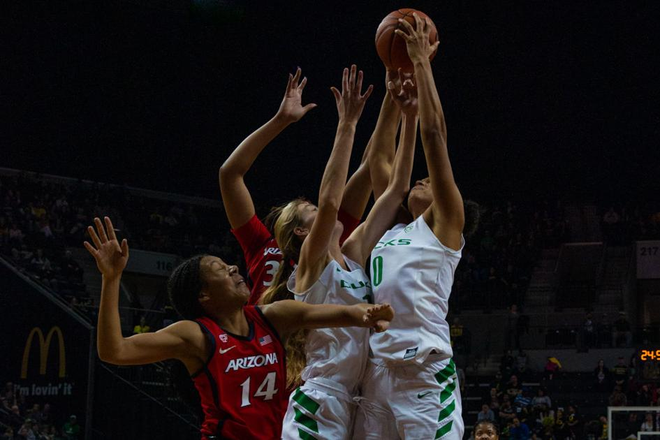 Quick Hits: WBB espaces upset bit, MBB goes 1-1 on the weekend