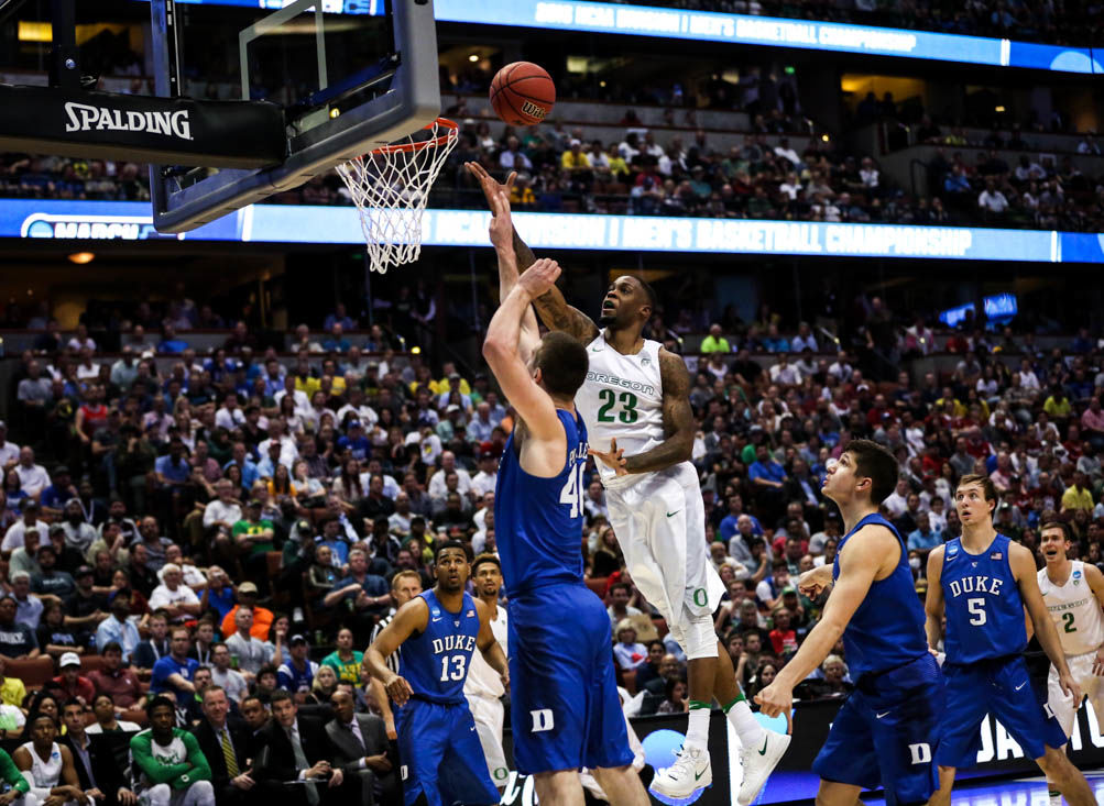 Opinion: What's wrong with men's college basketball media?