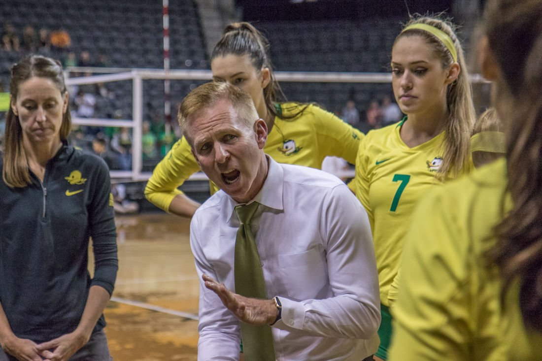 Ex-Oregon volleyball players allege mistreatment, 'mental abuse' by former coaches Jim Moore and Stacy Metro