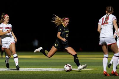 Freshman Zoe Hasenauer hopes to bring new life to Oregon soccer