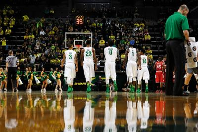 Kim: Oregon fans lack enthusiasm as NCAA tournament approaches