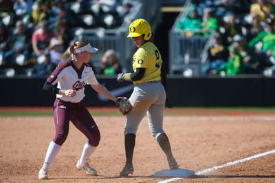 Pac-12 player of the week Shannon Rhodes leads No. 6 Oregon into conference opener against No. 3 UCLA