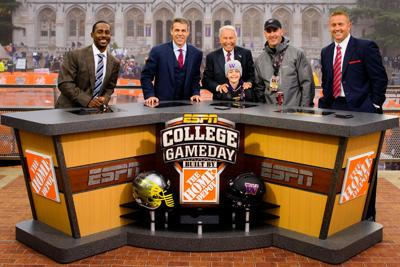 ESPN's College GameDay returning to Eugene for next week's top-25 matchup against Stanford
