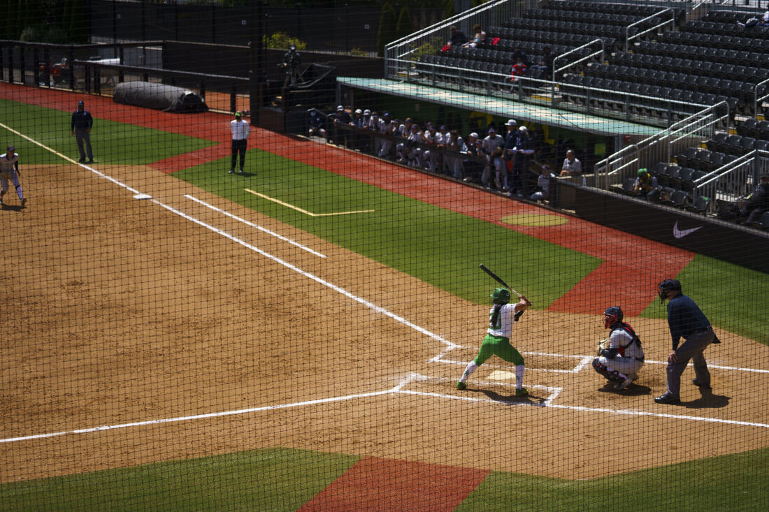 Photos: Oregon Ducks falls to Arizona Wildcats 0-2