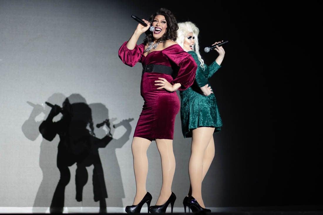 2019.2.23.emg.dkr.uo.drag.show-1.jpg