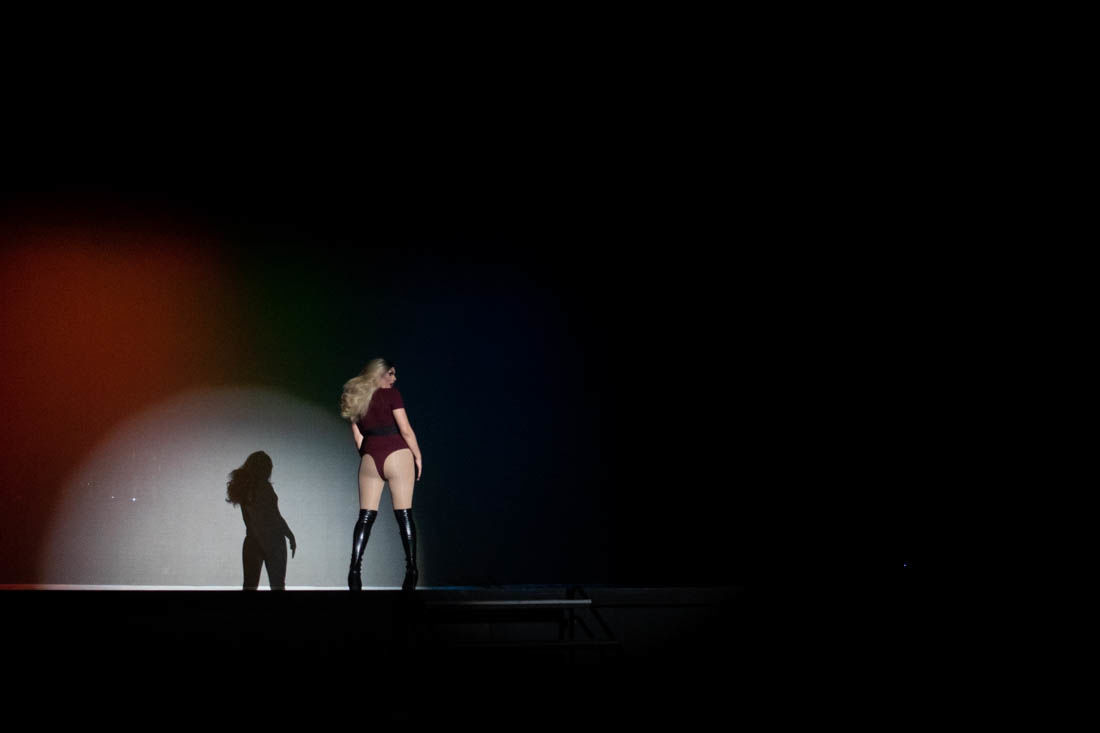 2019.2.23.emg.dkr.uo.drag.show-2.jpg
