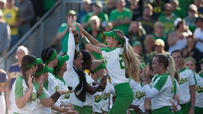 Eugene native Lauren Burke's home run secures Oregon's win in first round of regionals