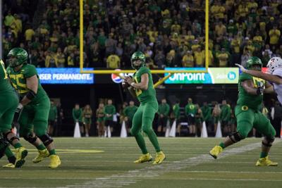 Ducks squander Justin Herbert's spectacular performance on national stage