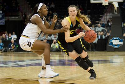 Ionescu, Hebard earn guard and power forward of the year awards