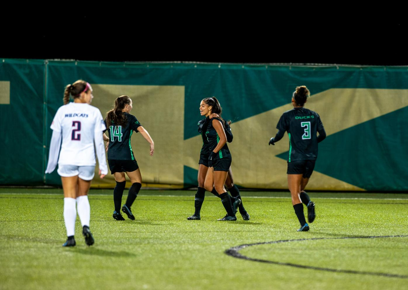 Curran breaks record, Oregon escapes Salt Lake with 1-0 victory