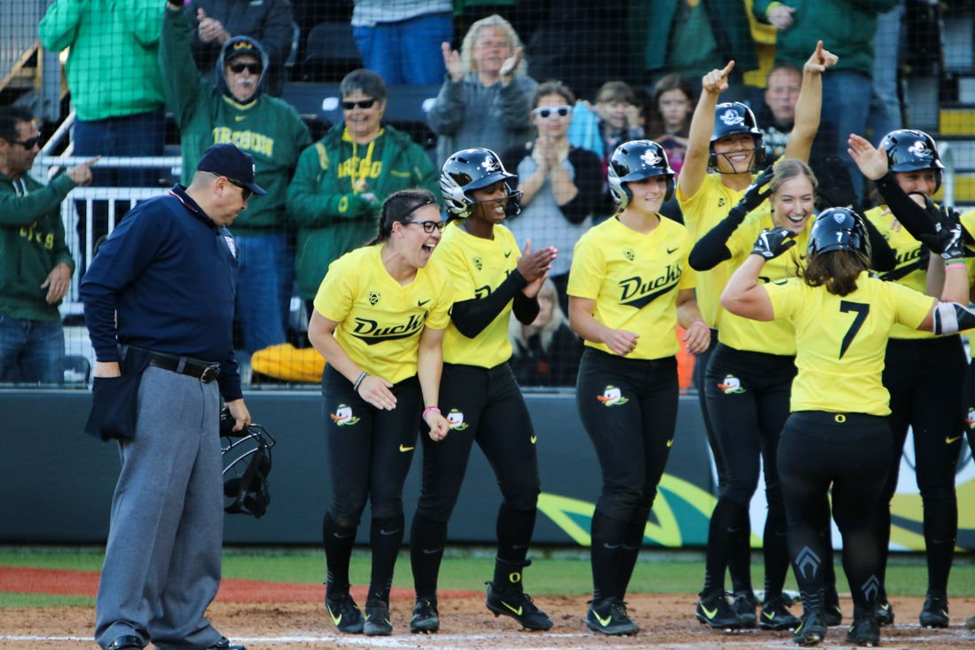 Photos: The Oregon Ducks win the first Civil War game against Oregon State Beavers 8-0