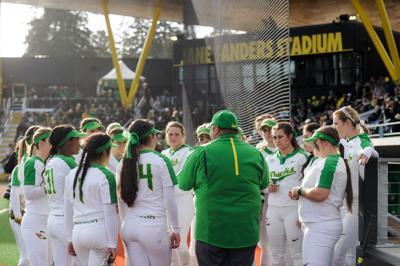 Oregon debuts Jane Sanders Stadium over spring break with sweep of Stanford