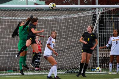 Quick Hits: Football still without solution to offensive obstacles post-Herbert, soccer gets first Pac-12 win