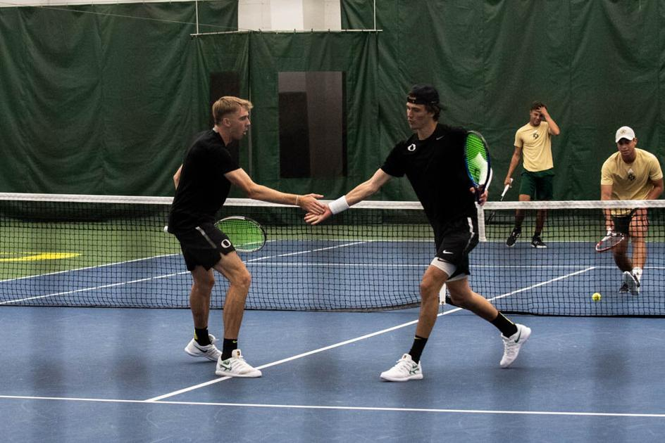 Oregon men's tennis wins 4-2 in dramatic fashion on senior day