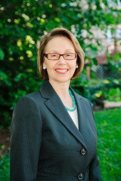 Oregon Attorney General Ellen Rosenblum discusses gun control with students