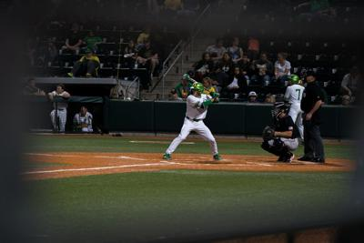 Stanford dominates Ducks 10-0 for series sweep