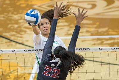 Lauren Page dominates in Oregon volleyball's four-set win at Colorado