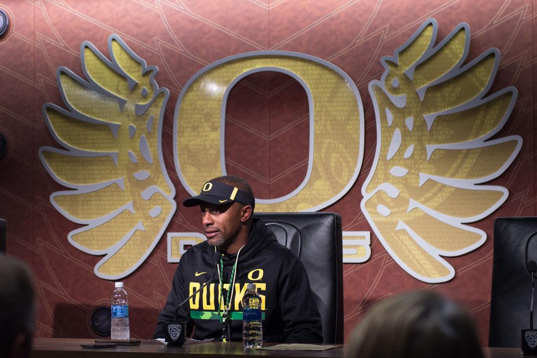 Photos: The Oregon Ducks defeat the Arizona Wildcats 48-28
