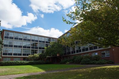UO student dies in Hamilton Hall on Saturday