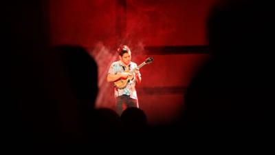 Ukulele sensation Jake Shimabukuro sells out Jaqua Concert Hall to fans of all ages