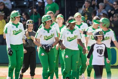 Shannon Rhodes powers Ducks to 7-0 win and series sweep over Beavers