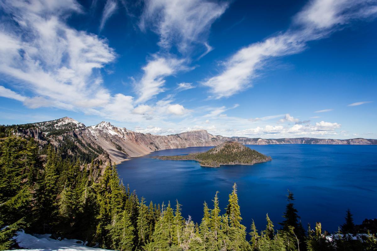 12 Oregon Road Trips to Take Before Graduation
